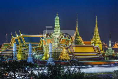 Uroczysty pałac i Wata phra keaw przy nocą, Bangkok, Tajlandia