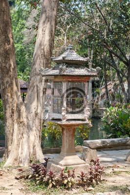 Vintage klatka stylu Bali.