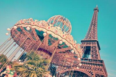 Obraz Vintage Merry-go-round i wieża Eiffla, Paryż Francja