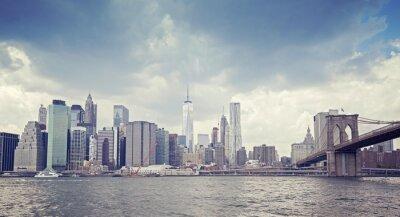 Obraz Vintage stonowanych obraz Nowego Jorku nabrzeżu przed deszczem.