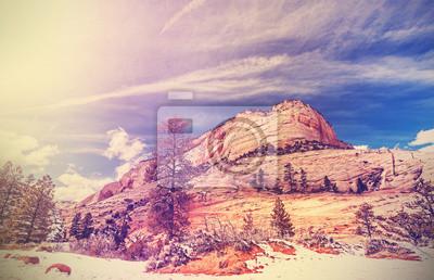 Vintage stylizowane góry w Zion National Park.