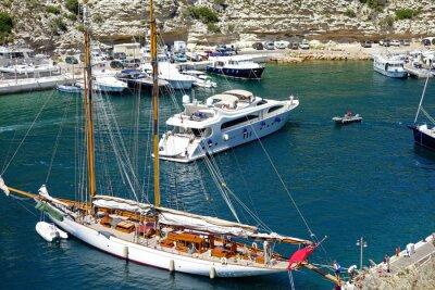 Obraz Voilier et dans le jacht portu Plaisance de Bonifacio en Corse