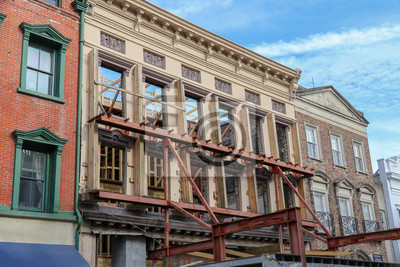 Obraz wall support on an old building facade for a historic preservation construction project in downtown Charleston, South Carolina