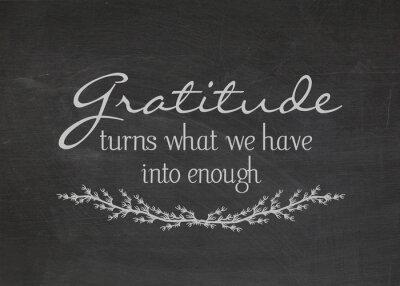 Obraz Wdzięczność cytat na zakurzonej czarnej tablicy