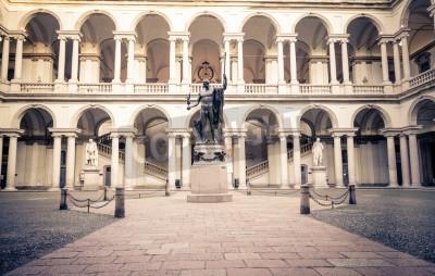 Obraz Wejście do słynnej Akademii Sztuk Pięknych Brera w Mediolanie - Włochy