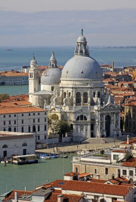 Obraz Wenecja, Włochy - 02 września, 2012: Widok z lotu ptaka Bazylika Santa Maria della Salute od Świętego Marka Campanile dzwonnica
