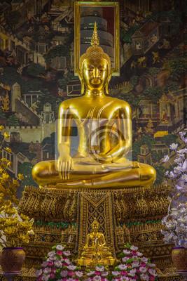 wewnątrz kościoła Wat Prayoon, Bangkok.