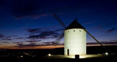 Obraz Wiatrak w nocy, Campo de Criptana, Kastylia-La Mancha, Hiszpania