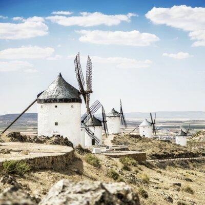 Obraz Wiatraki Consuegra w prowincji Toledo, Hiszpania