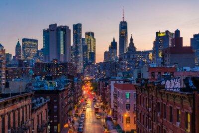 Obraz Widok Madison Street i Lower Manhattan przy zmierzchem od Manhattan mosta w Miasto Nowy Jork