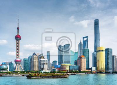 Widok na panoramę Pudong (Lujiazui) w Szanghaju w Chinach