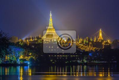 Widok o świcie z Pagoda Shwe Dagon, Yangoon, Myanmar