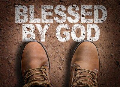 Obraz Widok z góry Boot na szlaku z tekstem: błogosławiony przez Boga