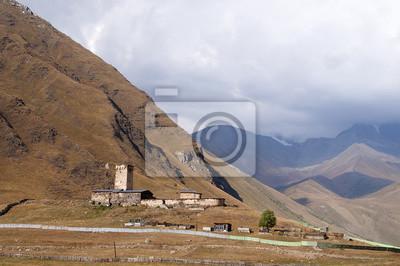 Widok z gruzińskiej Wioski Uszguli