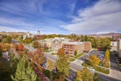 Widok z lotu ptaka centrum miasta Salt Lake City w Utah State Capitol budynku w odległości, USA.