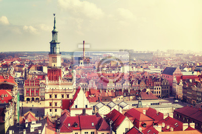 Widok z lotu ptaka na Poznań Stare Miasto, vintage kolor stonowanych obraz, Polska.