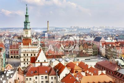 Widok z lotu ptaka na stare miasto w Poznaniu, Polska.