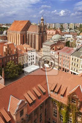 Widok z lotu ptaka na starym mieście w Toruniu.