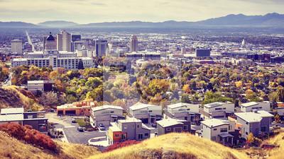 Widok z lotu ptaka Salt Lake City śródmieście w jesieni, kolor tonował obrazek, Utah, usa.