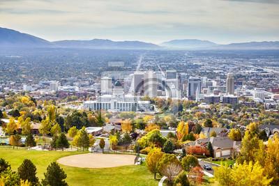 Widok z lotu ptaka Salt Lake City śródmieście w jesieni, Utah, usa.