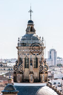 Widok z nieba kopuły kościoła Zwiastowania, w Sewilli, stolicy Andaluzji, w Hiszpanii