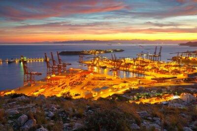 Obraz Widok z portu w Pireusie w Atenach od podnóża gór Aegaleo