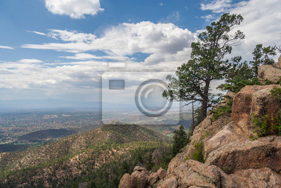Widok z Santa Fe w Nowym Meksyku z Atalaya Mountain