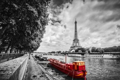 Wieża Eiffla nad Sekwany w Paryżu, Francja. Zabytkowe