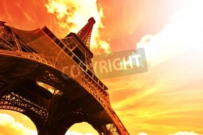 Obraz Wieża Eiffla (Tour Eiffel) o zachodzie słońca - Paryż, Francja