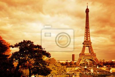 Wieża Eiffla w Paryżu, Francja. Vintage, retro