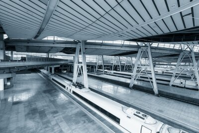 Obraz Wnętrze peronie stacji kolejowej