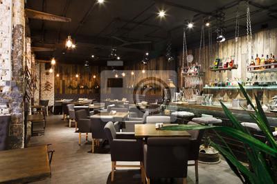 Obraz Wnętrze przytulnej restauracji, na poddaszu