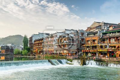 Obraz Wspaniały widok na starożytne miasto Phoenix i rzekę Tuojiang