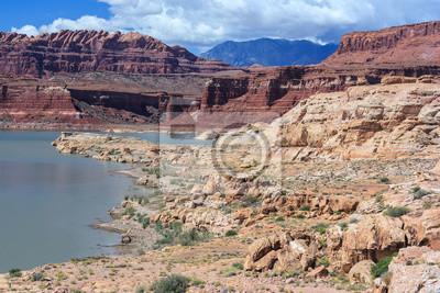 Wybrzeże z Lake Powell i Colorado River w Glen Canyon National Recreation Area