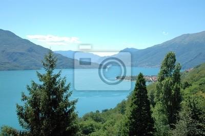 Wychodzący na jezioro Como