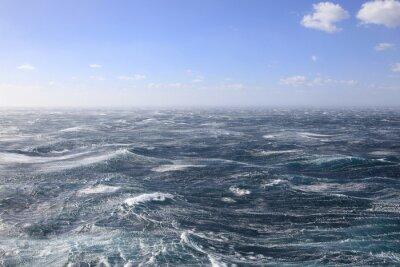 Obraz Wzburzone morze i błękitne niebo