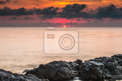 Рассвет на Черном море.  Этот  рассвет я наблюдал в городе Созопол, Болгария.