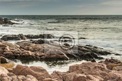Вид на море в лучах рассвета