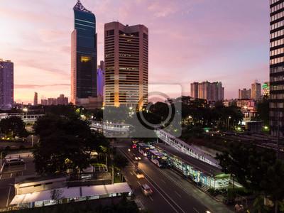 Zachód słońca nad dzielnicą finansową Dżakarty