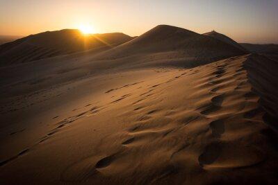 Obraz Zachód słońca w Dune 7 niedaleko Walvis Bay w Namibii