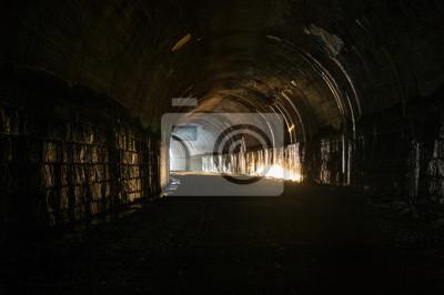Zachód słońca w tunelu Wejście