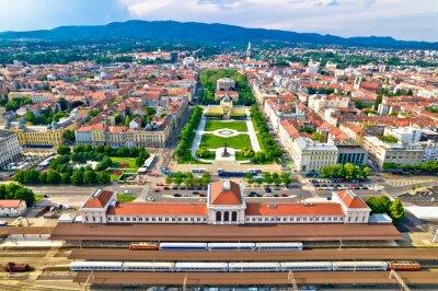 Obraz Zagreb central train station and Lenuci Horseshoe. Green zone of Zagreb historic city center aerial view