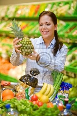 Zakup warzyw owoców w supermarkecie