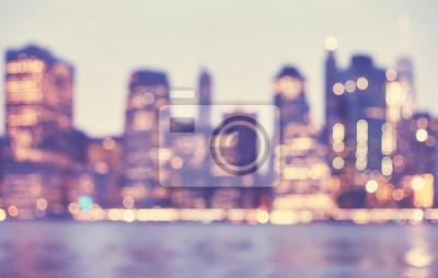 Zamazany rocznik tonujący obrazek Manhattan linia horyzontu przy półmrokiem, abstrakcjonistyczny miastowy tło, Miasto Nowy Jork, usa.
