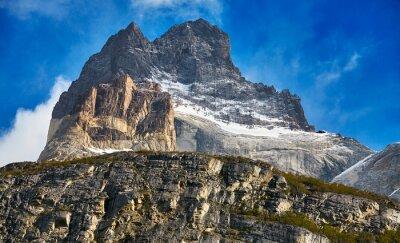 Zamyka w górę obrazka Cuernos Del Paine rockowe formacje w Torres Del Paine parku narodowym, Chile.