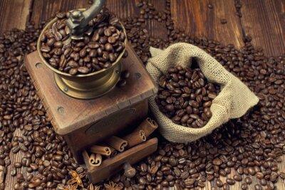 Obraz Ziarna kawy i młynek do starego