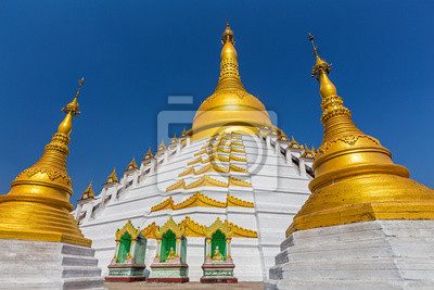 Złota pagoda w zwycięstwo ziemi króla bayinnaung