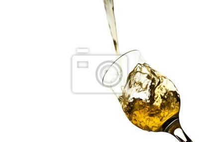 Żółty zalewaniem ze szkła samodzielnie na białym tle