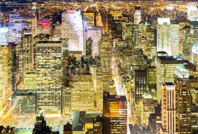 Plakat Aerial panoramę Nowego Jorku drapacze chmur miejskich w nocy, USA.