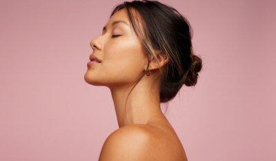 Plakat Asian woman with beautiful skin